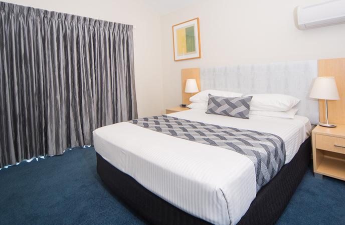 bedroom-corrigans-cove